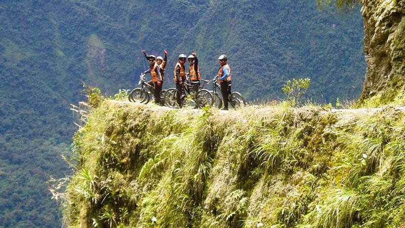 Biking in Coroico – Bolivia <span>1D</span>