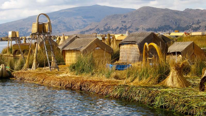 Floating Uros Islands <span>½D</span>